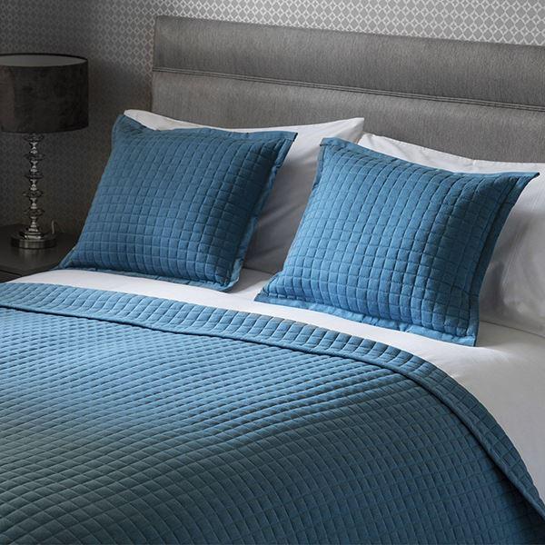 Crompton Bedspread Cobalt