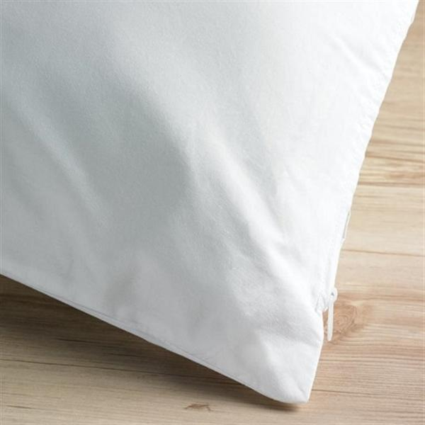 233 Thread Count Cotton Zipped Pillow Protector