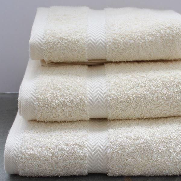 Luxury Cotton Towels and Face Cloths 600g Cream