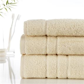 Classic Cotton Towels and Face Cloths 500g Cream