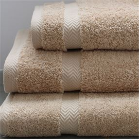 Luxury 600g Hotel Towels and Face Cloths Latte