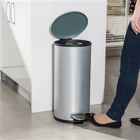 Addis Addis 30 Litre Stainless Steel Cushion Close Pedal Bin