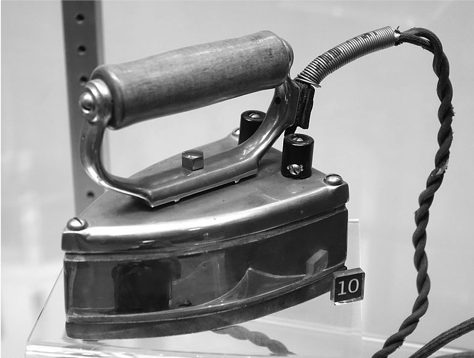 Vintage Electric Iron Bw